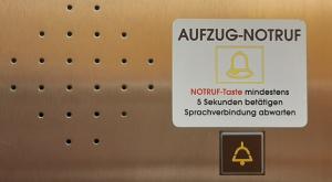 Fahrstuhl / Aufzug Notruf