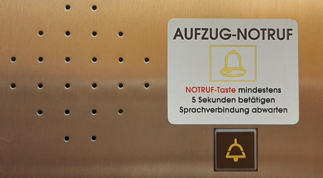 Notfall im Fahrstuhl - Notrufsysteme von Schaufler Liftservice