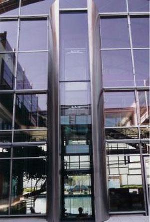 Personen Glasaufzug Pylon von Schaufler Liftservice GmbH